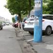 Pe Calea Bucureşti s-a turnat asfalt nou, dar constructorul nu a mai refăcut, pe unele porţiuni, legătura între partea carosabilă şi locurile de parcare deja existente (Foto: Lucian Anghel)