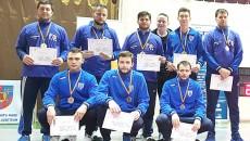 Spadasinii de la CS Universitatea au cucerit aur şi bronz în întrecerea pe echipe (Foto: frscrima.ro)