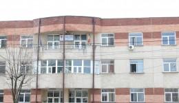"""Oamenii legii au ridicat documente și de la Clinica de Psihiatrie a Spitalului  """"Dr. Stefan Odobleja"""" Craiova (Foto: Arhiva GdS)"""