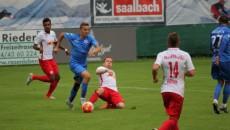 Bancu (la minge) şi colegii săi au remizat cu campioana Austriei (foto: csuc.ro)