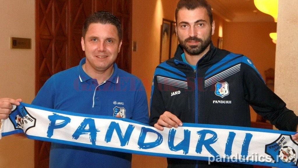 Narcis Răducan (stânga) i-a mulțumit lui Ropotan pentru colaborare (foto: panduriics.ro)