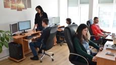 Și anul trecut, firma IT Six a înființat posturi noi și căuta alți specialiști IT, pe lângă echipa existentă, inclusiv pentru a-i înlocui pe cei care plecaseră peste graniță (Foto: arhivă GdS)