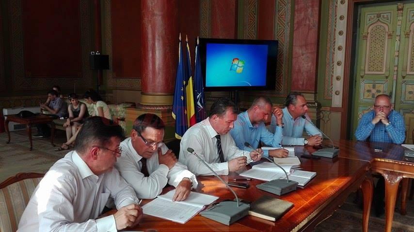 Şefii Consiliului Judeţean vor să schimbe modul de lucru în instituţie