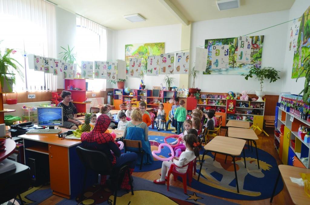 Grădinițele cu program prelungit din Craiova vor fi deschise pe perioada verii