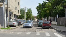 Autoritățile spun că strada Matei Millo va intra prima la asfaltare, dintre cele decopertate