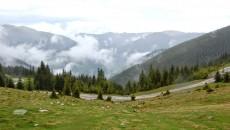 Inculpații au fost acuzați că au obținut în mod fraudulos peste 500 de hectare de terenuri forestiere din Munții Puru, Galbenu și Petrimanu, județul Vâlcea (Foto: calauzaoffroad.blogspot.ro)