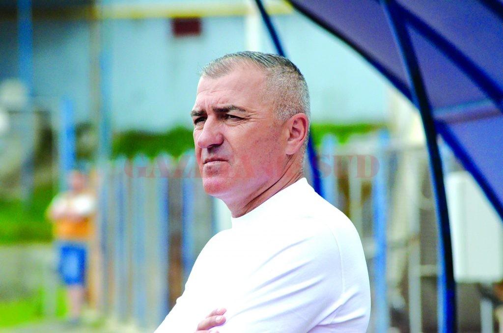 Petre Grigoraş ştie că elevii săi nu vor avea un meci uşor cu Maccabi Tel Aviv, dar rămâne optimist (Foto: Alexandru Vîrtosu)