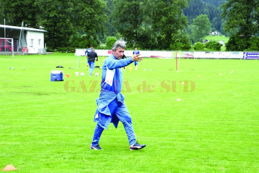 Gigi Mulțescu a schimbat filozofia de joc  a alb-albaștrilor (Foto: csuc.ro)