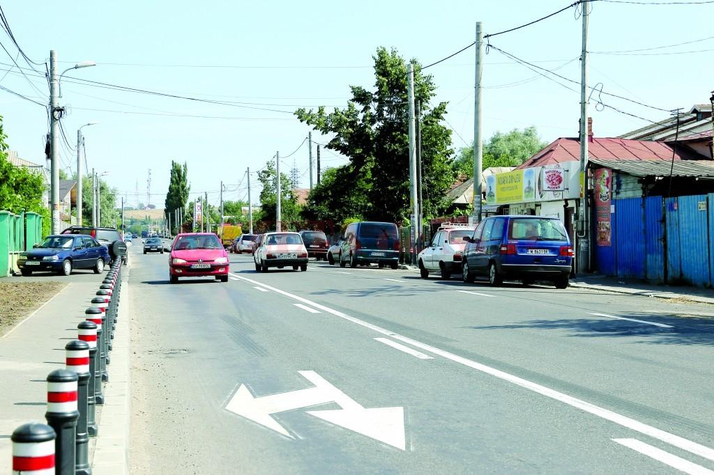 Cu toate că lucrările pe strada Bariera Vâlcii s-au încheiat, recepția întârzie (Foto: Bogdan Grosu)