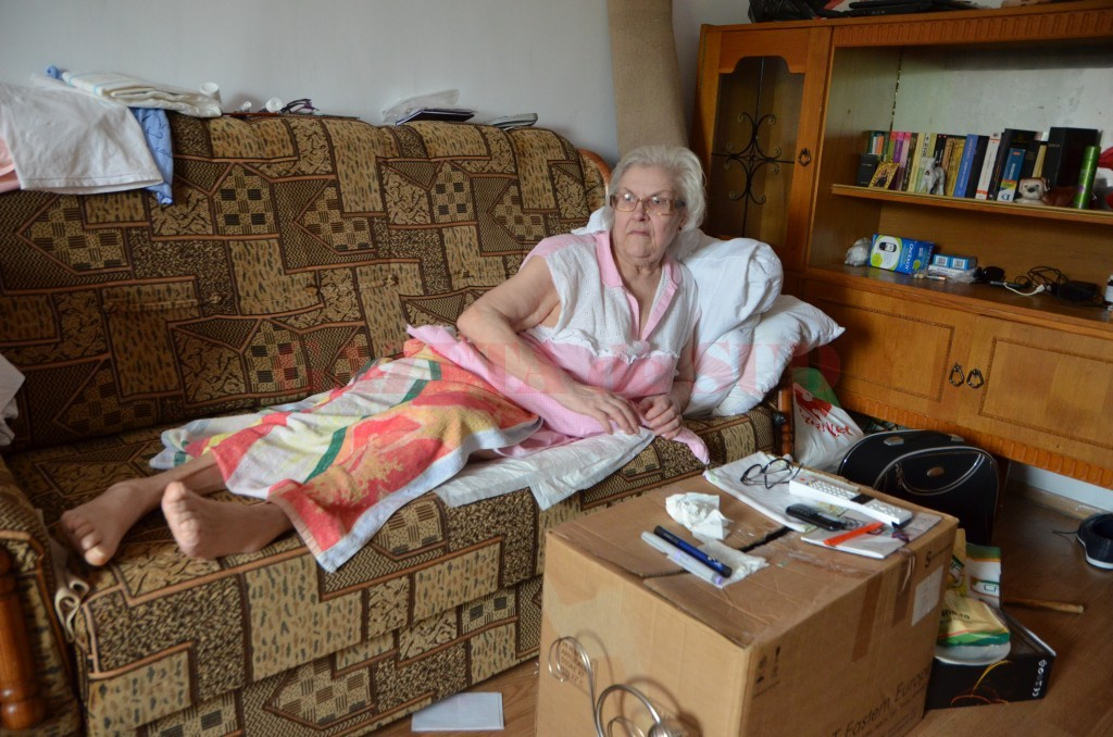 Maria Oproaica are 70 de ani şi este imobilizată (FOTO: Claudiu Tudor)