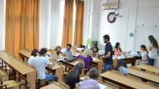 Universitatea din Craiova a scos la concurs, pentru admiterea la studii de licență, 5.960 de locuri la buget și taxă și a înregistrat un număr de 4.159 de candidați până pe 25 iulie (FOTO: Claudiu Tudor)