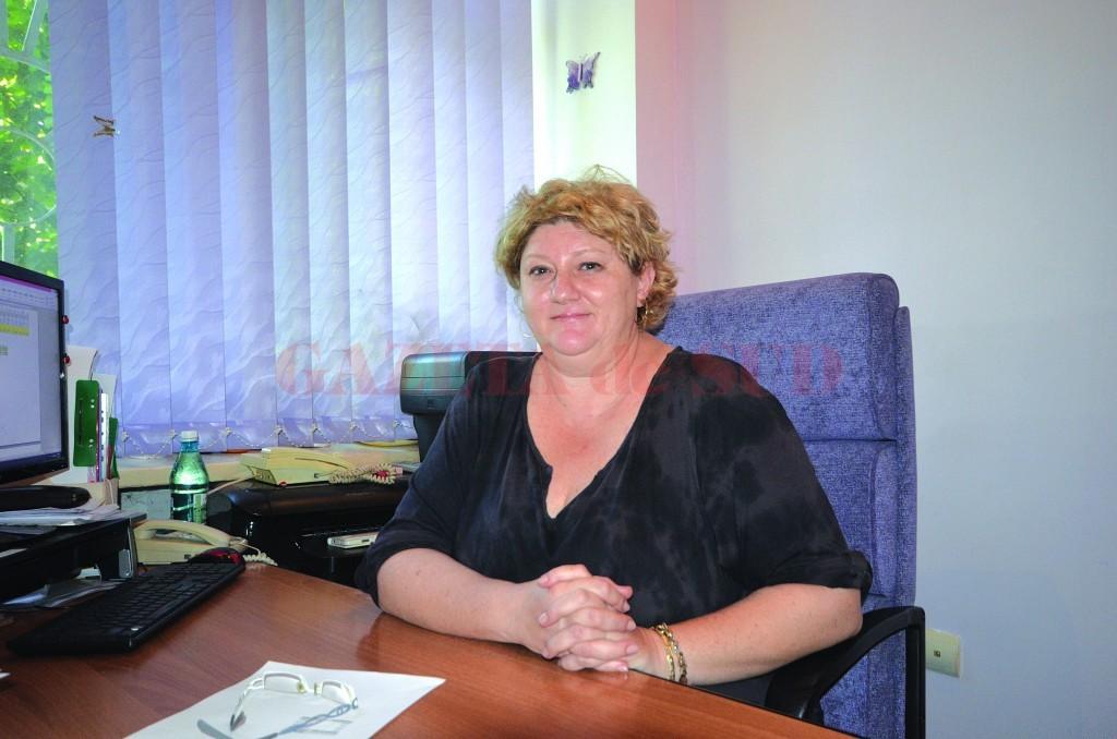 "Genoveva Ioana, managerul Școlii Gimnaziale ""Mircea Eliade"" din Craiova (Foto: Traian Mitrache)"
