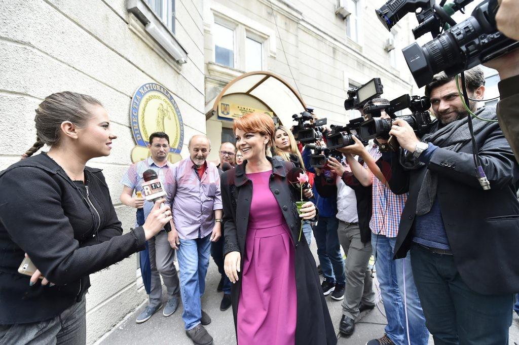 Primarul Olguța Vasilescu le-a dat de înțeles patronilor unor firme de construcții că ar fi bine să facă sponsorizări (Foto: Agerpres)