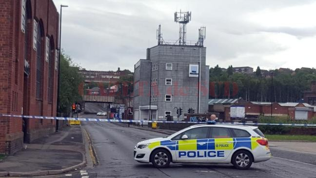 police-search-disused-sheffield-brewery-after-gunman-alert-136407619882903901-160729104005