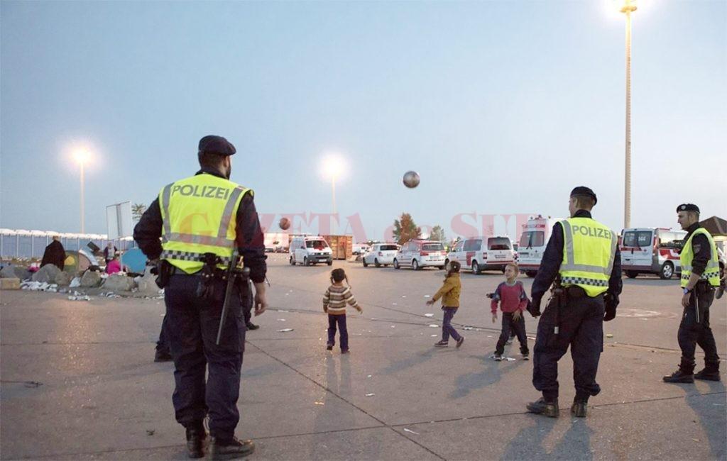 Sute de copii români sunt traficați în orașe europene unde sunt forțați să cerșească, să fure sau sunt exploatați sexual de grupări criminale (Foto: www.ziare.com)
