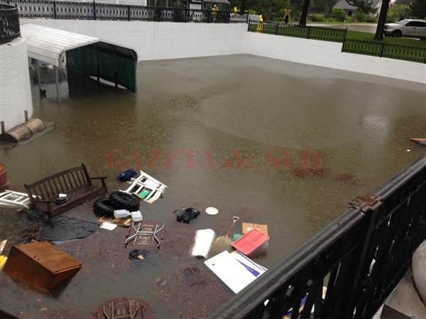 160813-louisiana-floods-mn-1005_0670b09e900d2212b7209b65fcb7b45c.nbcnews-ux-600-480