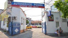 După falimentul Carpatica Asig, Autoservice Poiana i-a reținut unui craiovean mașina până acesta își plătește reparațiile (Foto: Bogdan Grosu)