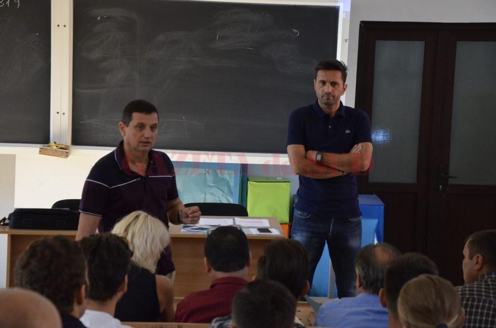 Marian Ezaru şi Sebastian Colţescu s-au făcut înţeleşi de cei din bănci (foto: Alexandru Vîrtosu)