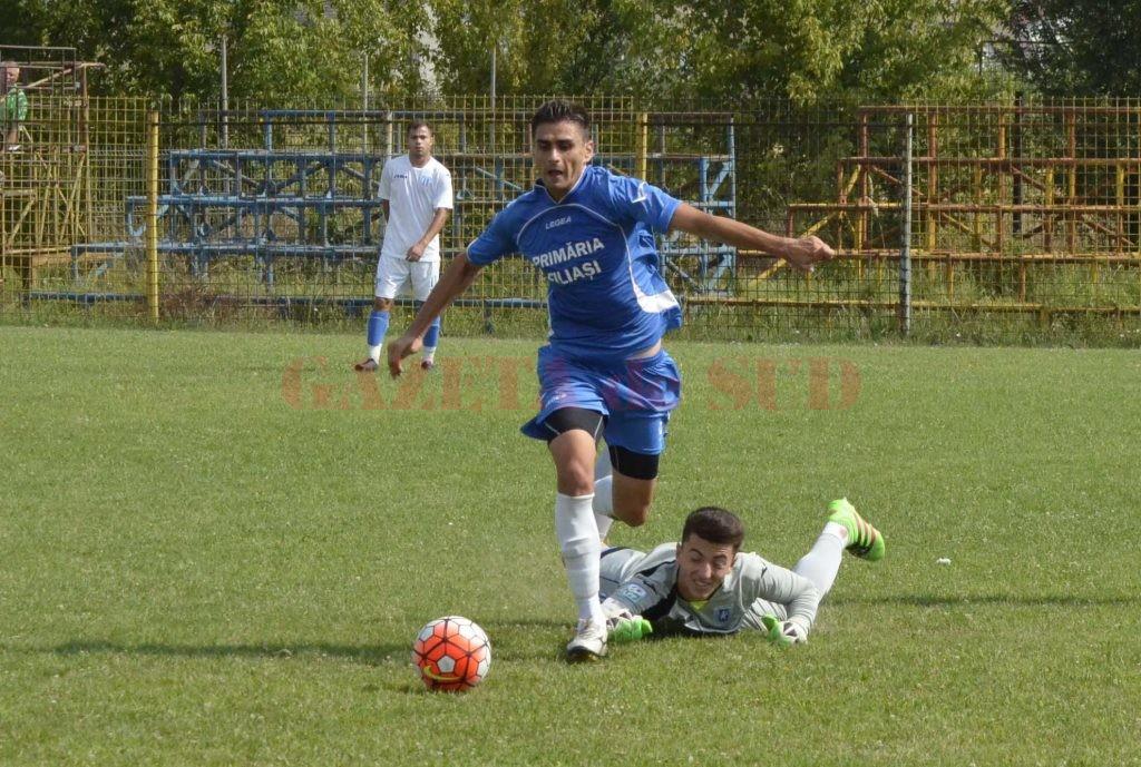 Alex Fotescu a făcut diferenţa în partida de la Slatina (foto: Alexandru Vîrtosu)