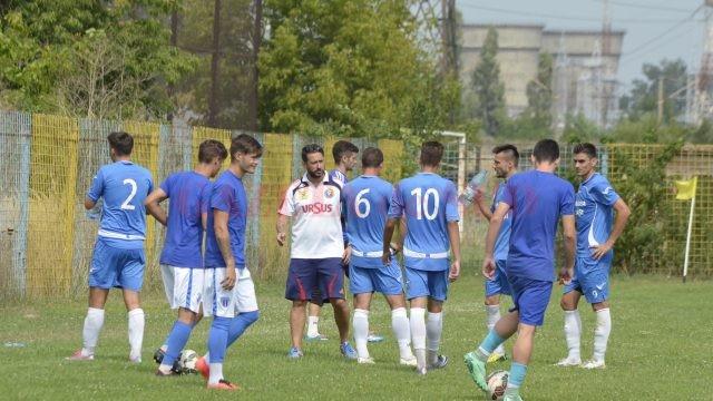 Filieşenii au zdrobit Jiul Petroşani (foto: Alexandru Vîrtosu)