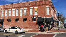 Craioveanul a fost acuzat că a montat aparatură pentru copierea datelor cardurilor de credit pe ATM-uri din Florida, Georgia, Maryland, Carolina de Nord și Tennessee ale băncii SunTrust.