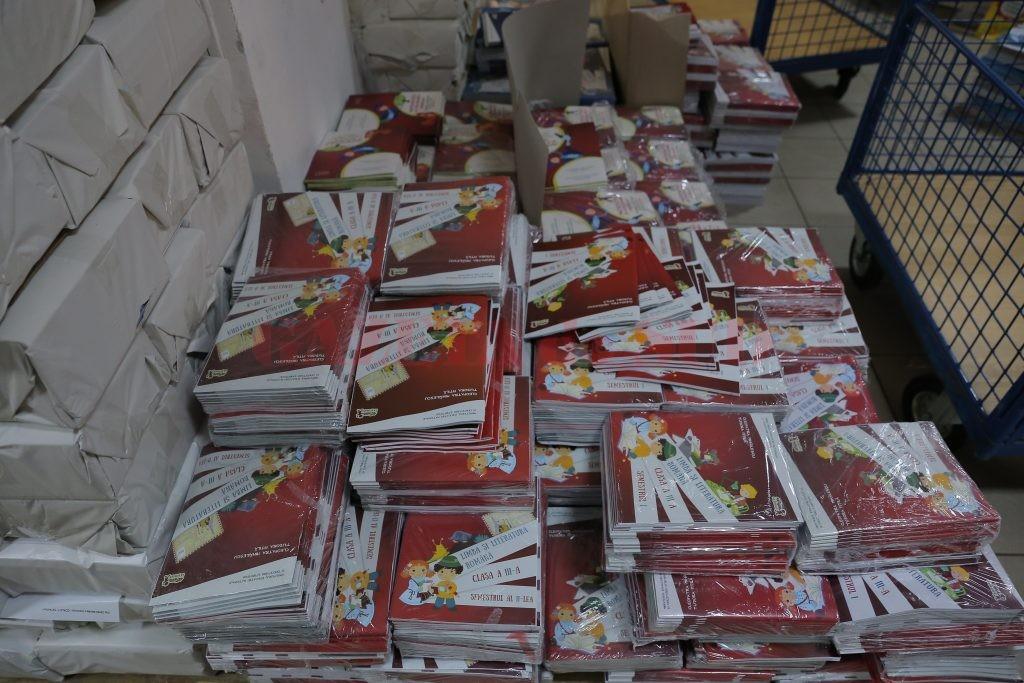 În Dolj vor fi distribuite aproximativ 270.000 de manuale școlare