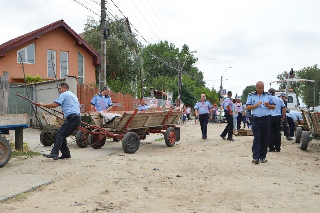 Poliția Locală Craiova ia tot! Polițiștii au confiscat, în 2019, de la ceasuri și parfumuri până la... căruțe.