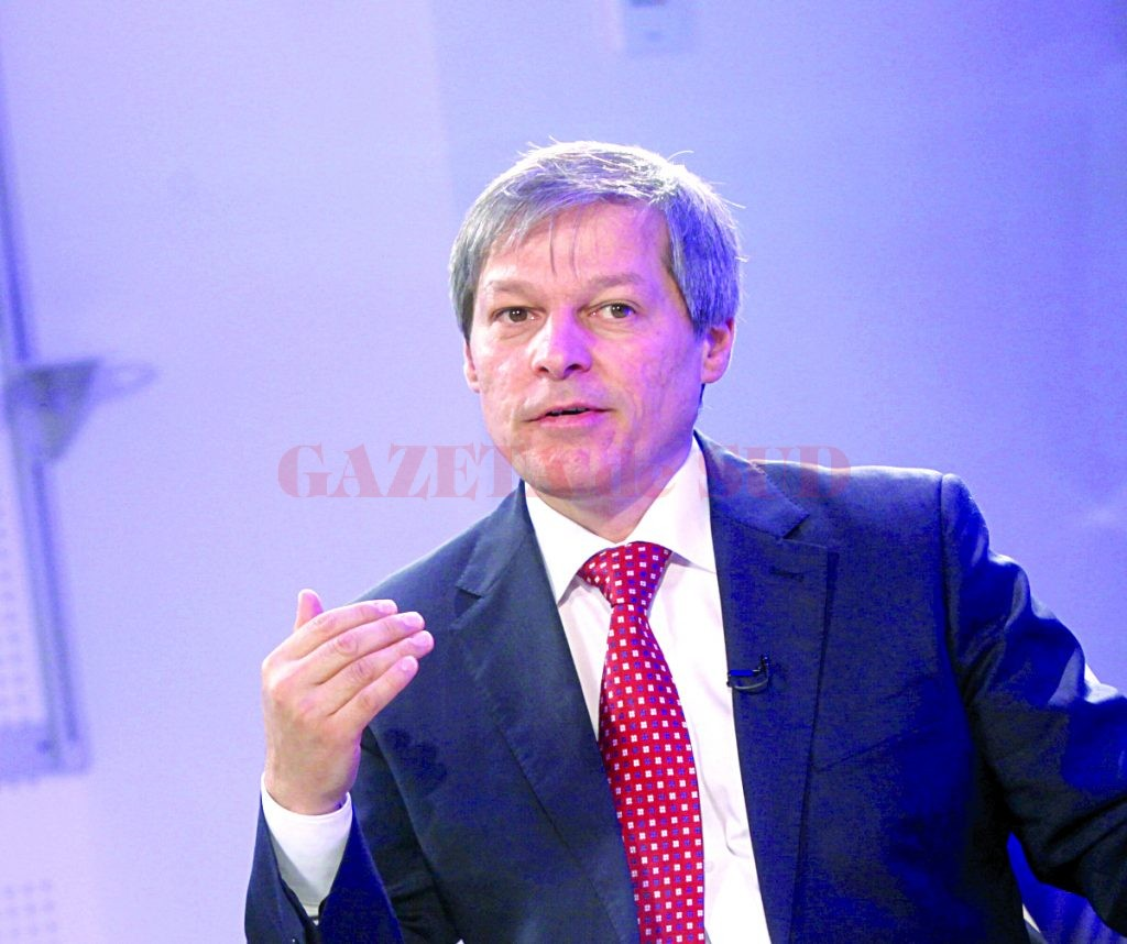 Europarlamentarul Dacian Ciolos este invitat la Adevarul Live, in studioul Tv al Holdingului Adevarul din Bucuresti, 26 Septembrie 2013. (Sever Gheorghe)