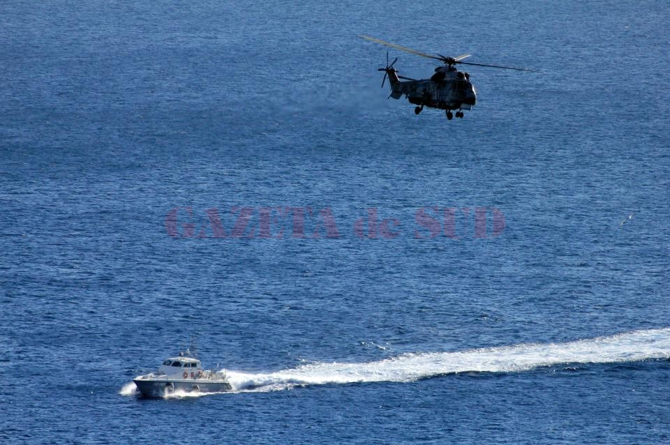F4XXAR Joint operations of the Greek coastguard and the Hellenic Airforce SAR, on manouvres of the island of Limnos.