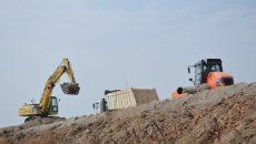 La Centura Craiova Sud au fost reluate lucrările,  dar pe șantier erau ieri doar două utilaje (FOTO: Bogdan Grosu)