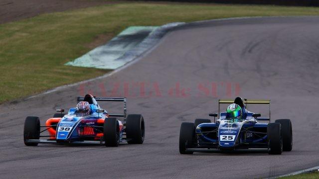 Alexandra Marinescu se descurcă din ce în ce mai bine în campionatul britanic de Formula 4