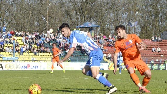 Andrei Ivan (la minge) este optimist în privința destinației punctelor în meciul cu FC Botoșani (Foto: Alexandru Vîrtosu)
