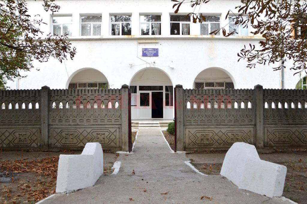 Școala gimnazială Dioști, una dintre unitățile școlare din Dolj unde elevii învață în clase cu predare în regim simultan
