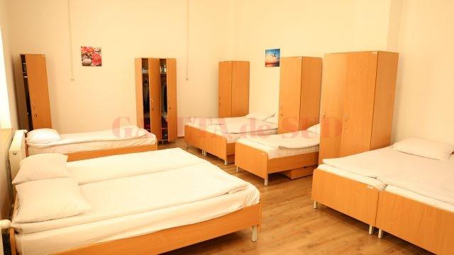 Una dintre camerele în care sunt cazați elevii Colegiului Militar din Craiova