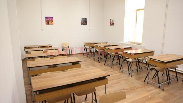 """Sală de curs din cadrul Colegiului Militar """"Tudor Vladimirescu""""."""