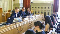 Reprezentanții autorităților din Oltenia care derulează proceduri de achiziții publice  au primit sfaturi de la conducerea Agenției Naționale pentru Achiziții Publice (Foto: Lucian Anghel)