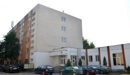 Dacă primește aprobare de la Consiliul Local, Administrația Financiară care deservește  persoanele fizice din 54 de localități, inclusiv Craiova, se va muta la parterul acestei clădiri  de pe strada Brestei, nr. 129, unde a funcționat Tribunalul Dolj (FOTO: Bogdan Grosu)