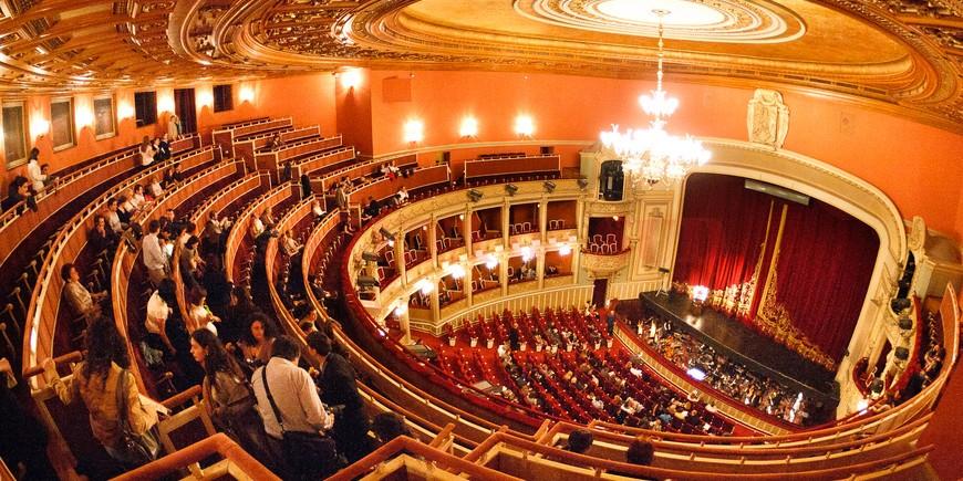 Opera_Romana_-_Vedere_Interior