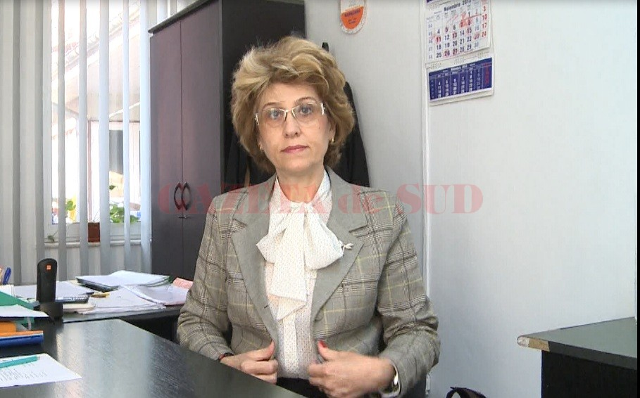 Procurorii DNA din Craiova au reținut că, în schimbul unor lucrări gata scrise, Ortanța Ciobanu a primit bani de la opt elevi ai Școlii Postliceale Sanitare Slatina