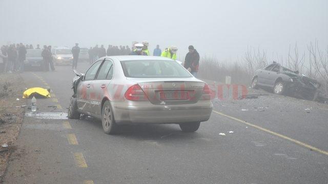 Șoferul autoturismului Renault a murit pe loc în urma impactului cu Mercedesul condus de Silviu Lung  (Foto: Arhiva GdS)