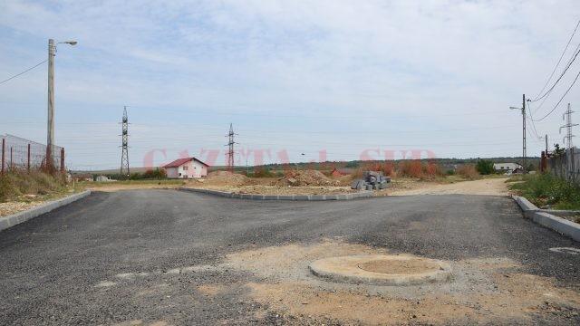 Aici s-a terminat asfaltul pe strada Parângului, potrivit proiectului executat în 2016