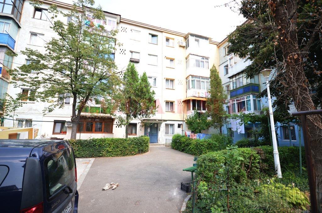 Scandalul a avut loc în blocul 30 din cartierul Craiovița Nouă, în care locuiește craioveanul în vârstă de 29 de ani (Foto: GdS)