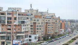 Craiovenii care locuiesc la bloc ar putea plăti mai mult pentru apa caldă şi căldura furnizate de Termo ()