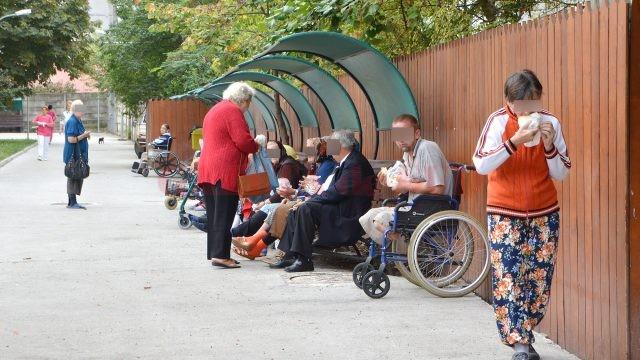 La Căminul pentru Persoane Vârstnice din Craiova sunt internate în prezent 290 de persoane (Foto: Traian Mitrache)