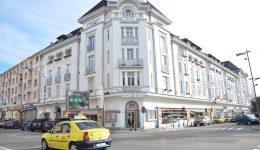 Singurul bloc marcat cu bulină roșie din Craiova (Foto: Arhiva GdS)