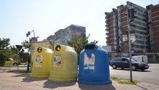 În Craiova sunt 223 de containere de colectare selectivă a gunoiului în 87 de locații (Foto: Bogdan Grosu)