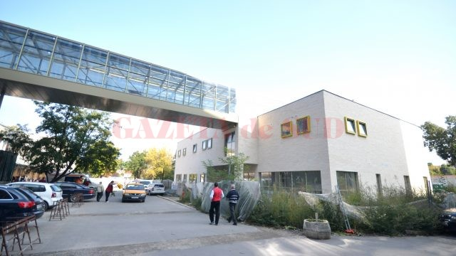 În Craiova se lucrează de doi ani la Clinica de Cardiologie Intervențională și Chirurgie Cardiovasculară, dar bolnavii nu pot fi tratați aici deocamdată (Foto: Traian Mitrache)