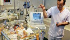 """Doi copii din Craiova, diagnosticați cu sindrom hemolitic uremic, sunt internați în stare gravă la Spitalul """"Marie Curie"""" din București (FOTO: gandul.info)"""