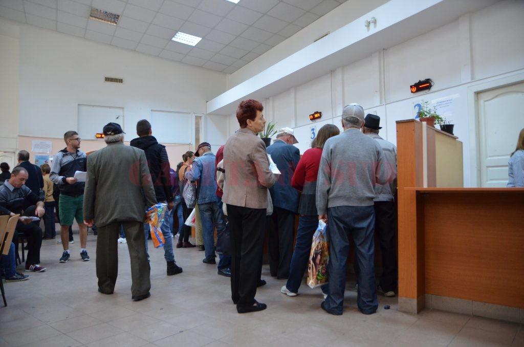 Unii dintre pensionarii care au lucrat cu grupe de muncă sau în condiții speciale vor beneficia din oficiu de majorarea punctului de pensie până la finele lui 2018 (Foto: Bogdan Grosu)
