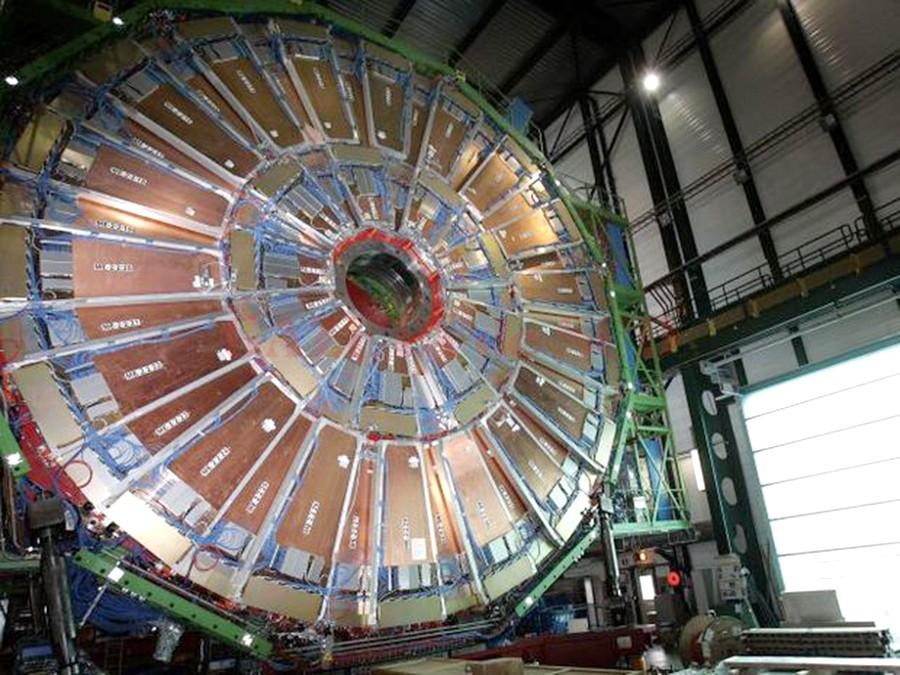 Procesul de fuziune nucleară presupune obţinerea unei temperaturi extrem de mari, de cel puţin 100 de milioane de grade Celsius (Foto: www.businessmagazin.ro)